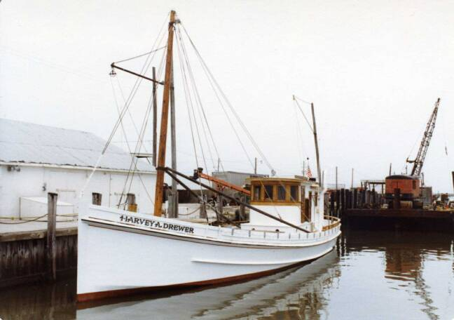 Buyboat Harvey A. Drewer at Saxis, VA in July 1982