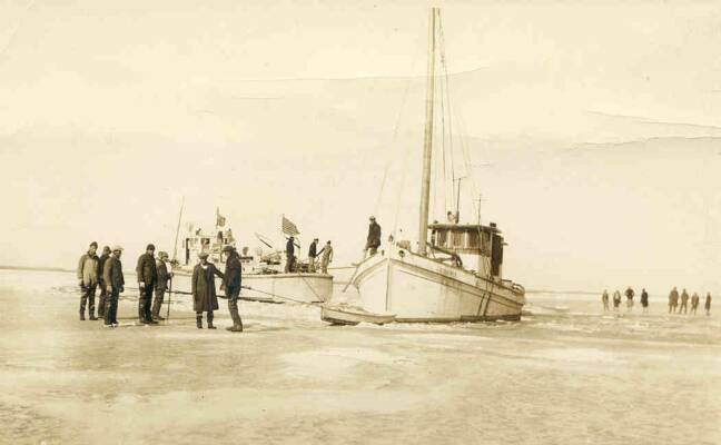 Oyster Buyboat J.C. Drewer in ice