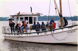 wooden oyster buyboat Annie D.jpg