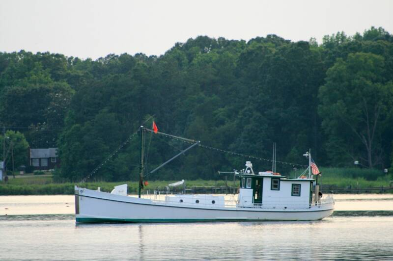 Oyster Buyboat Photo by Stacie Stinnette.jpg