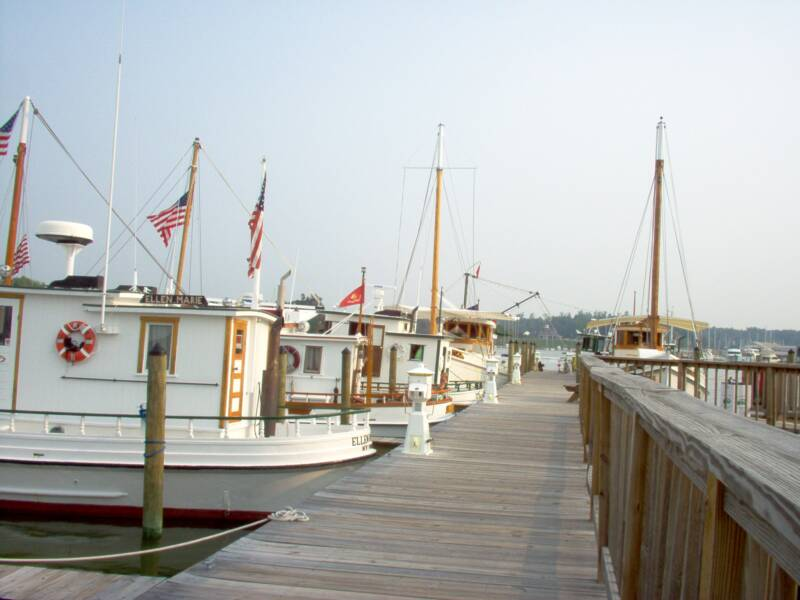 Oyster Buyboats at Urbanna VA.jpg